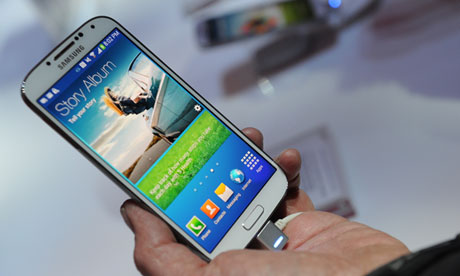 Samsung GALAXY S 4 Available April